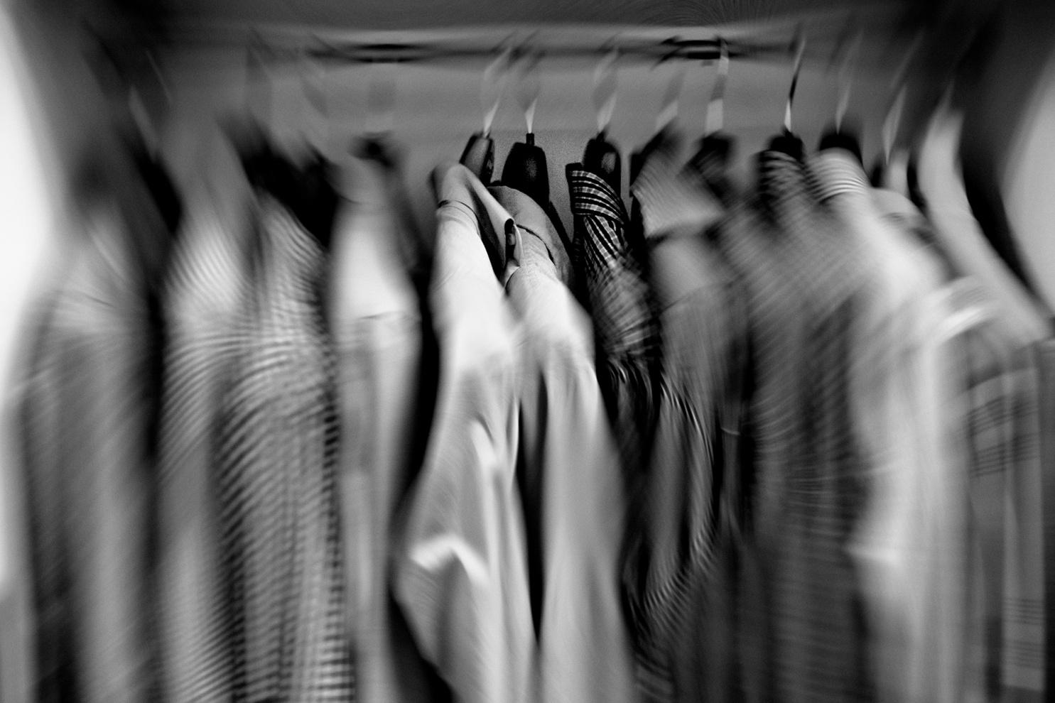 Scelta camicia, Trapani, 2017. © Salvatore Titoni.
