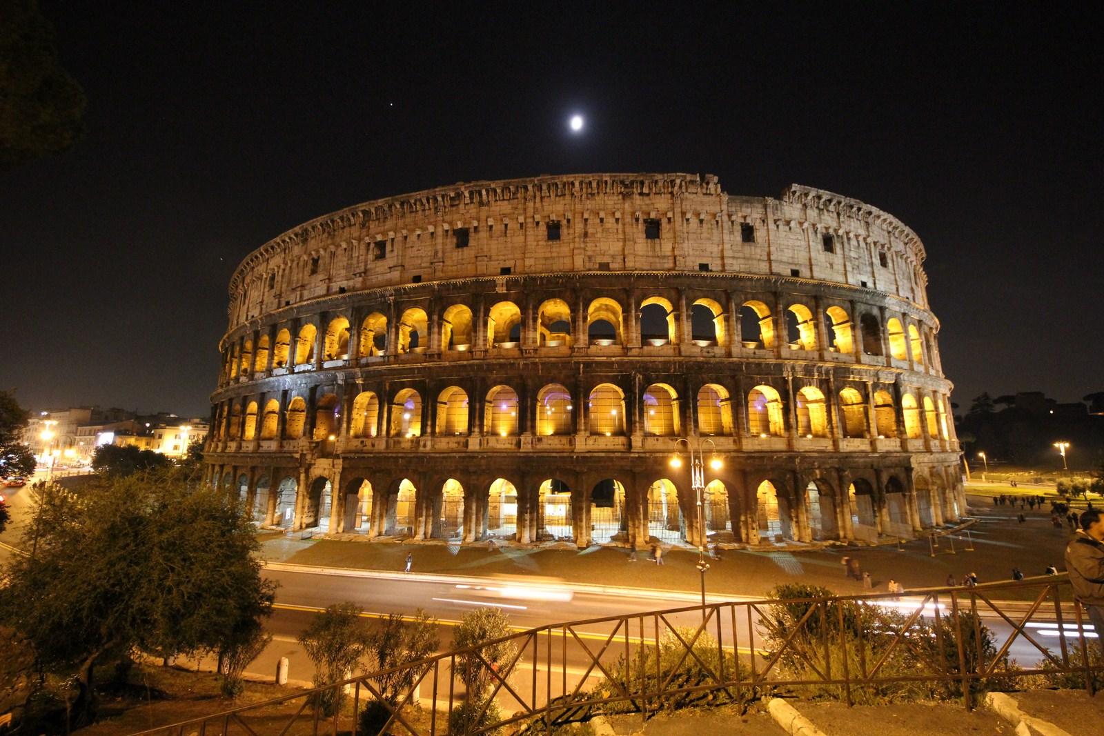 Roma di notte - Il Colosseo