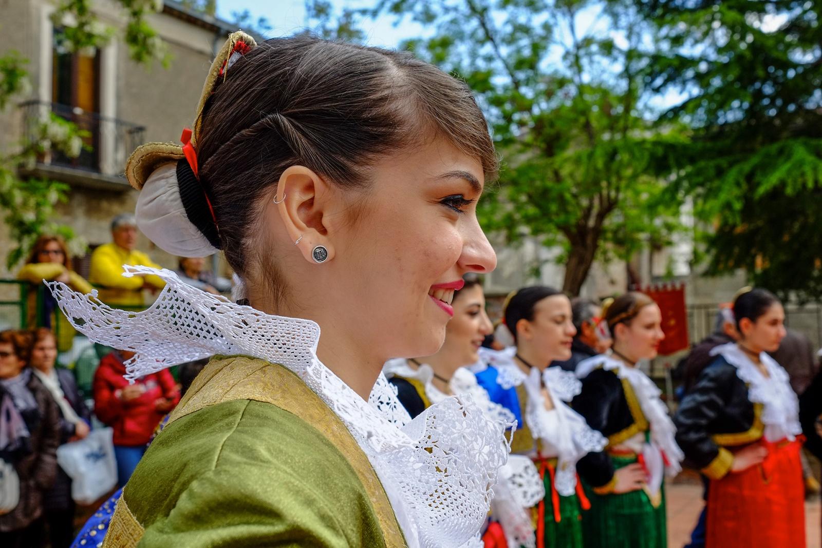 Particolare di un tipico costume tradizionale albanese. © Carla Cantore.