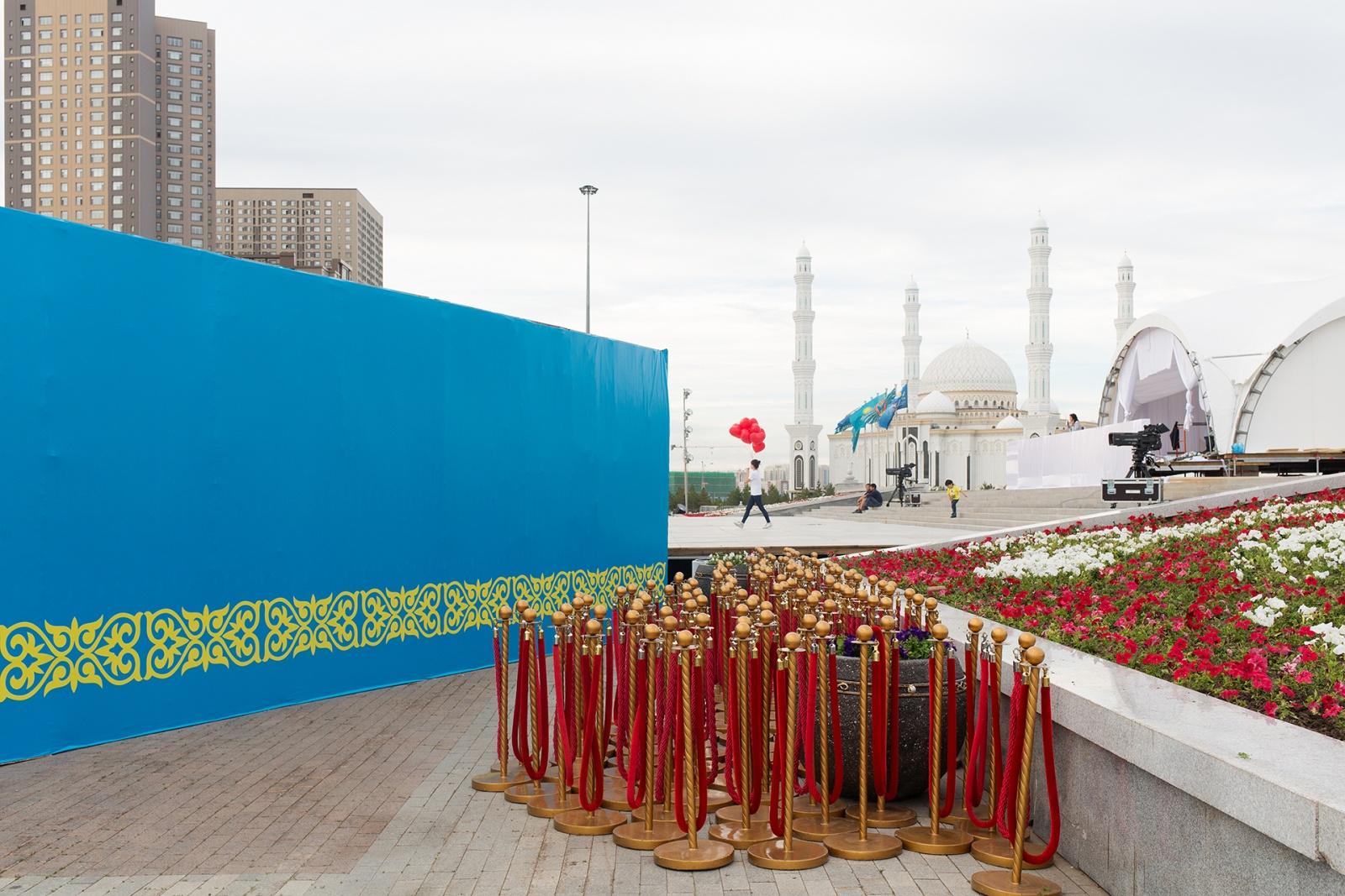 Una delle location nel centro della città, dove si sono tenuti i festeggiamenti del 20° Capital Day. Astana, Kazakistan, 2018. © Filippo Venturi.